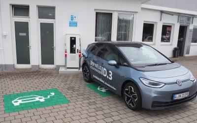 Zwei E-Parkplätze